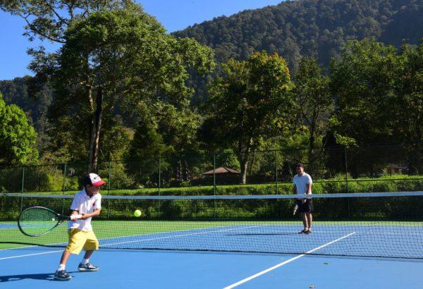 tennis kid handara