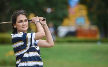 woman golfer bali