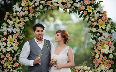 Wedding couple handara