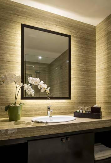 Deluxe Suite Bathroom resort