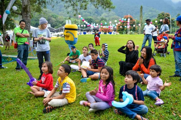 Golf Carnival for kids teach by our professional golfers